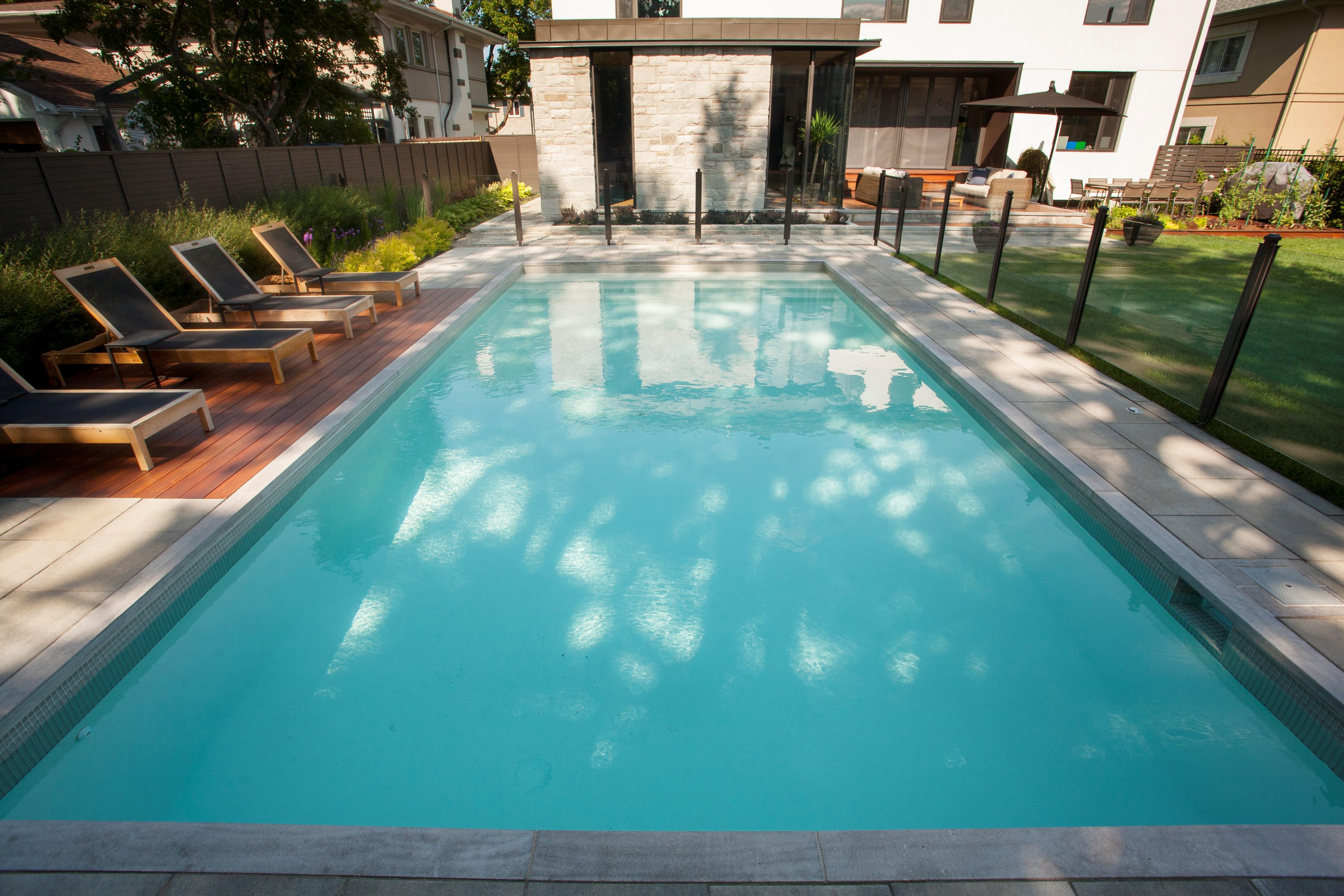 blogue de piscines paramount tout sur des piscines. Black Bedroom Furniture Sets. Home Design Ideas